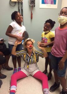 בית החולים לילדים בבוסטון שבו תרין התנדבה כליצנית רפואית