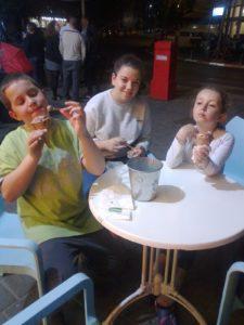 תרין, אחותה - אביגיל שלפי ובן דודה - עילי שלפי כץ