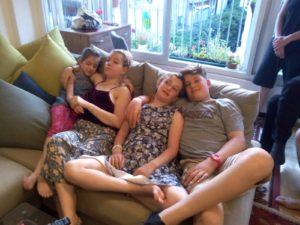 תרין ואחותה - אביגיל שלפי ושני בני דודיה - עילי שלפי כץ ודניאל חזן שלפי
